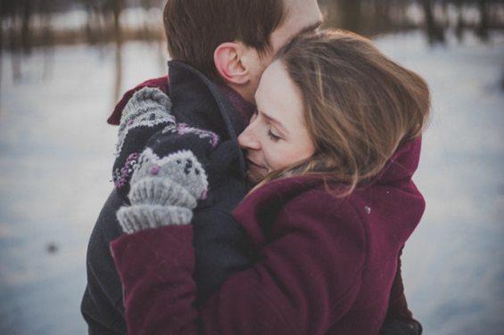 couple-hug-hugging-45644